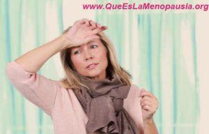 que son los sofocos en la menopausia