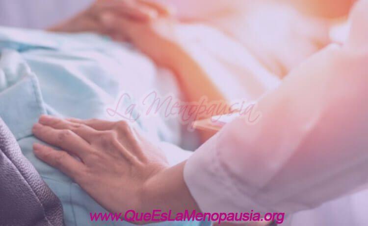 Imagen de mujer en cirugía