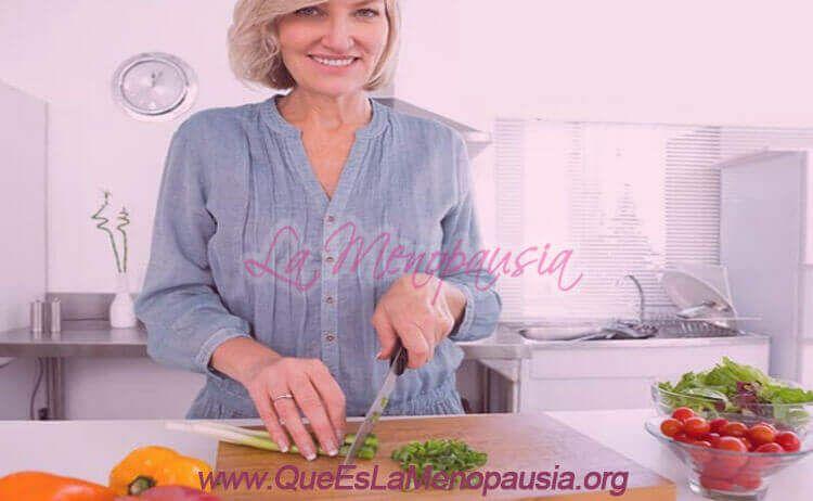 Adopta una buena nutrición en la menopausia