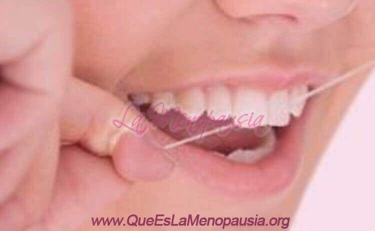 Irrigador dental versus hilo dental - Qué es mejor