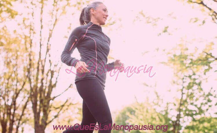 Realizar ejercicio regularmente en la menopausia