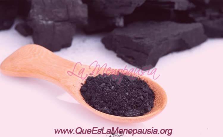 Por qué es bueno el carbón activado para la piel en la menopausia