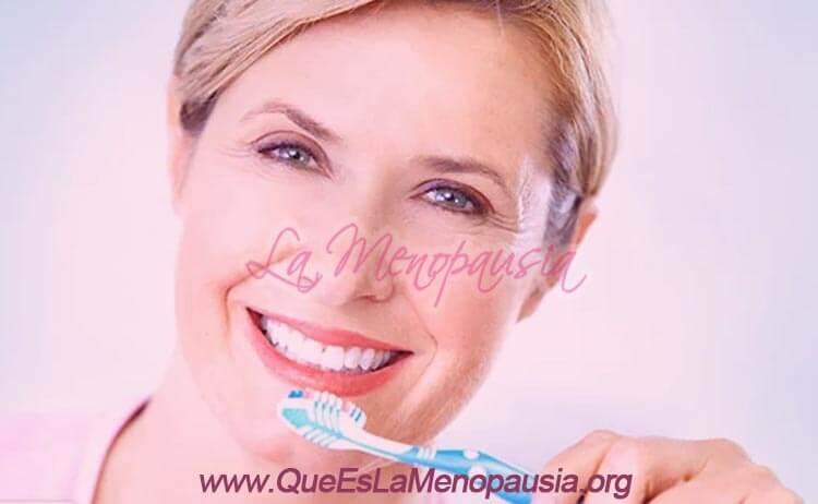 Prevención y cuidado de la salud bucal en la menopausia